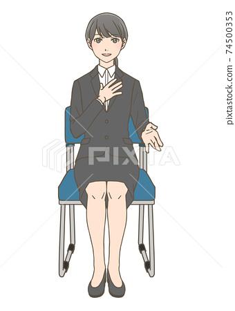 취업 면접에서 발언하는 여성 정면 74500353