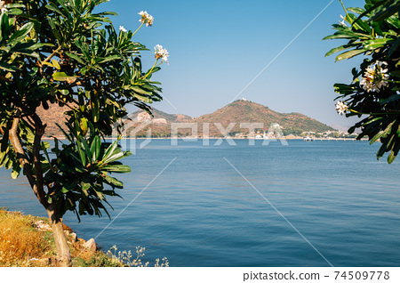 View of Fateh Sagar Lake in Udaipur, India 74509778