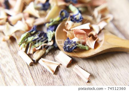 蝴蝶豌豆和香茅幹涼茶 74512360