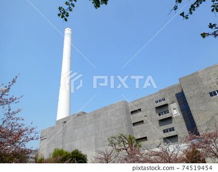 Chimney of Meguro Incineration Plant before rebuilding 74519454