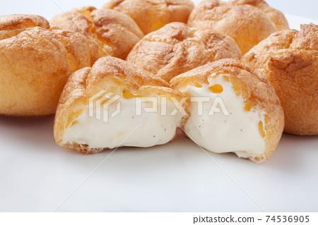 Baby cream puff, delicious mini shoe 74536905