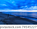 바다 석양 황혼 겨울의 동해 74545227