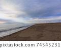 바다 석양 황혼 겨울의 동해 74545231