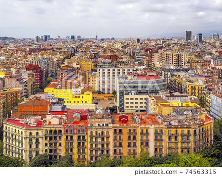 巴塞羅那看法從Sagrada Familia /SagradaFamília,巴塞羅那 74563315