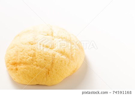 瓜麵包。 (白色背景) 74591168