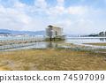 히로시마 현 하츠 카이 치시 미야지마 이쓰 쿠시마 신사 令和 수리 공사중의 도리 74597099