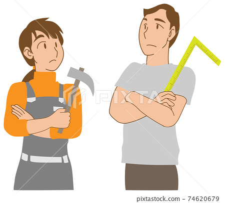 DIY로 고민하는 젊은 부부 74620679
