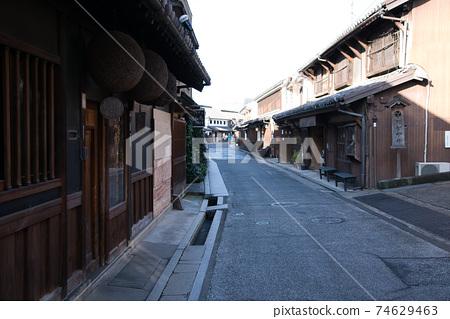[중요 전통적 건조물 군 보존 지구] 鶴形 야마시타 아침 쿠라의 거리 풍경 오카야마 현 쿠라 시키시 74629463
