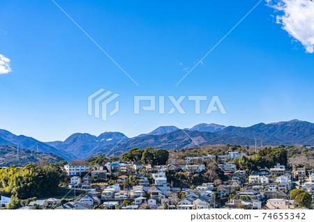 【카나가와 현】 깨끗한 푸른 하늘과오다 와라의 거리 풍경 74655342