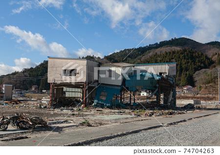 2011年12月10日,遭受東日本大地震破壞的建築物的照片,宮城縣氣仙沼市 74704263