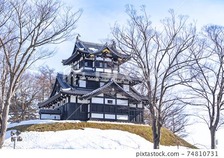 화창한 겨울 다카다 성지 공원 (三重櫓) 74810731