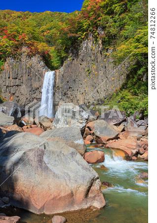 Niigata_Naena瀑布秋葉絕景 74812266