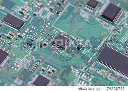 印刷電路板IC封裝QFP電子控製程序電子控制工程師圖片 74838723