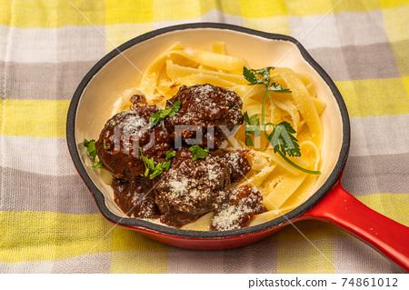 미트볼 tomato sauce meatballs 74861012