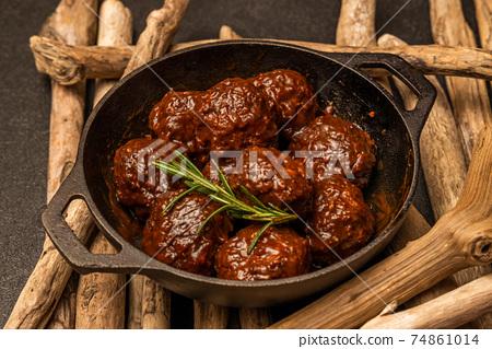 미트볼 tomato sauce meatballs 74861014