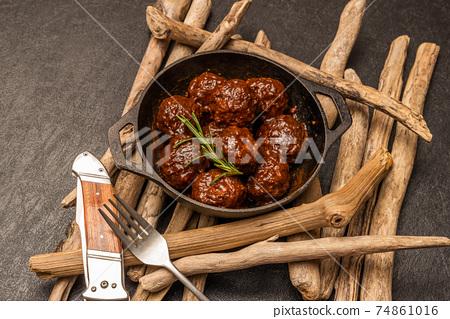 미트볼 tomato sauce meatballs 74861016