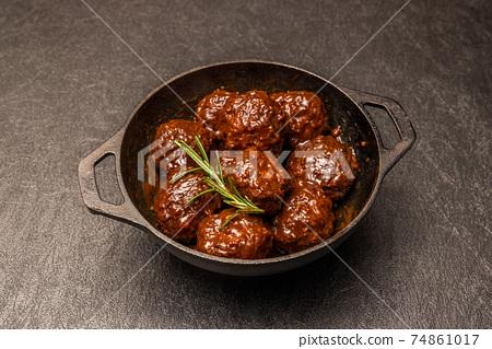 미트볼 tomato sauce meatballs 74861017