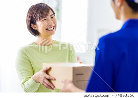 快遞服務紙板 74893356
