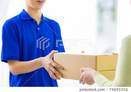 快遞服務紙板 74893358