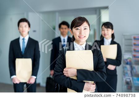 취업 활동 생 촬영 협조 : 중앙 공 학교 부속 일본어 학교 74898738