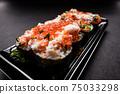 日式壽司蟹三文魚鮭魚子壽司 75033298