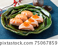 Sushi (salmon, roasted salmon, salmon roe). 75067859