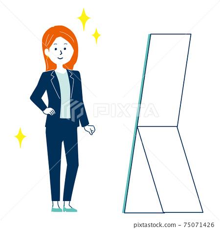 一個女人站在鏡子前,檢查她的衣服的插圖 75071426