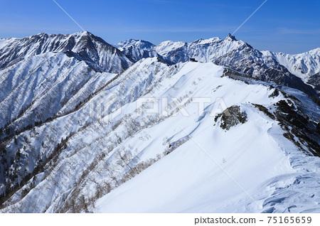 從椿山看到的銀山岳 75165659