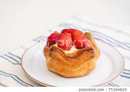 草莓蛋c丹麥糕點 75264620