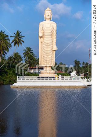 Buddha Statue - Tsunami Memorial in Peraliya, Sri Lanka 75288224