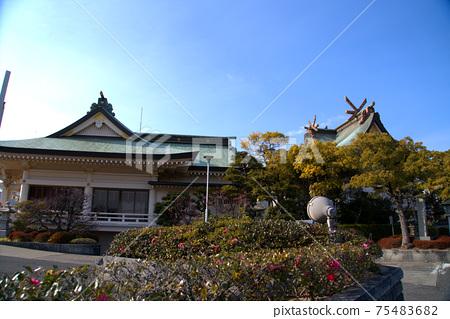 오카야마의 수호신 오카야마 신사의 경내와 겨울 맑은 하늘 오카야마 현 오카야마시 키타 구 75483682