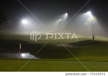골프장의 풍경과 푸른 잔디 75519551