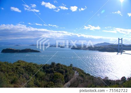 슈잔 전망대에서 보이는 세토 대교와 세토 나이 카이의 풍경 오카야마 현 쿠라 시키시 75562722