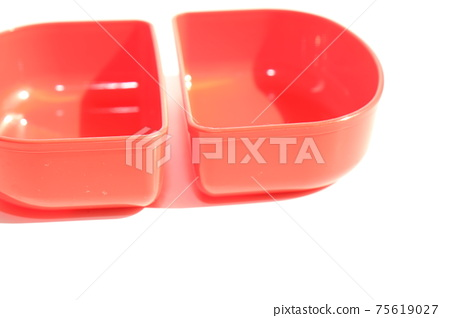 Partition in the lunch box 75619027