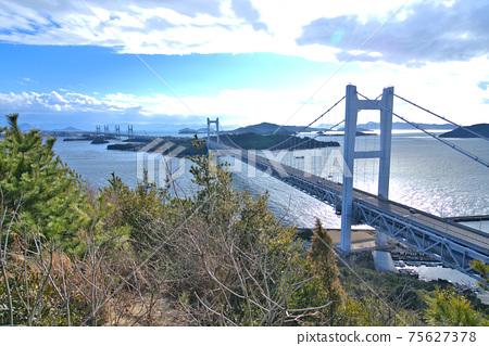 슈잔에서 바라본 시모 세토 대교와 세토 나이 카이의 섬 오카야마 현 쿠라 시키시 75627378