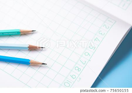 學習書和2B鉛筆 75650155