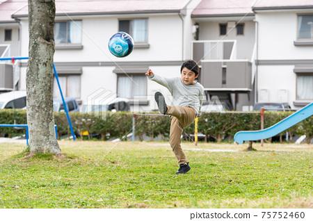 足球公園男孩 75752460