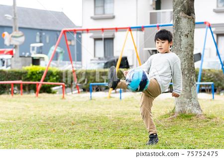 足球公園男孩 75752475