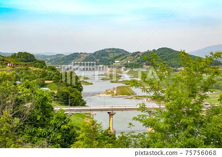 京畿道延川郡群南水壩Buksam橋 75756068