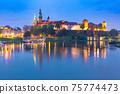 Night Wawel castle, Krakow, Poland 75774473