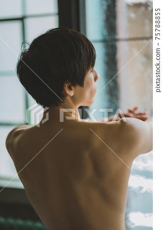 裸男 75788855