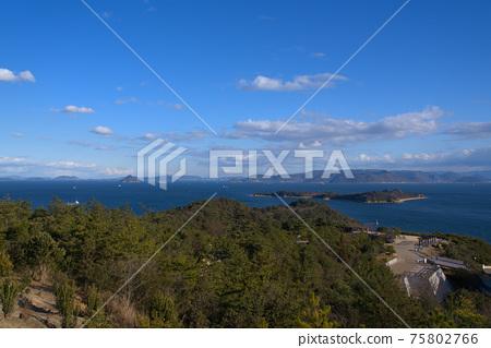 슈잔에서 본 비산 세토의 섬과 시코쿠 오카야마 현 쿠라 시키시 75802766