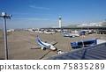 在晴朗的天氣裡,可以從空中俯瞰著Centrair機場指揮塔的空中甲板上眺望 75835289