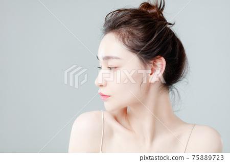 Portrait Of Beautiful Woman in Studio 75889723