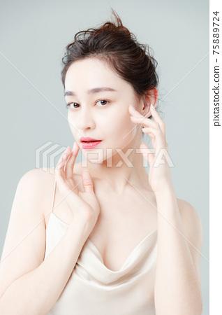 Portrait Of Beautiful Woman in Studio 75889724