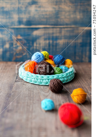 Multicolored yarn balls 75894247