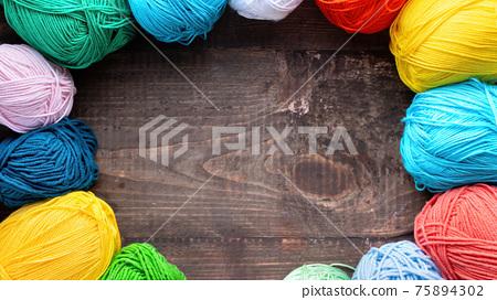 Balls of yarn composition 75894302