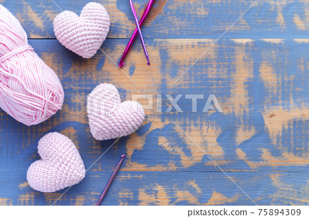 Hand made hearts composition 75894309
