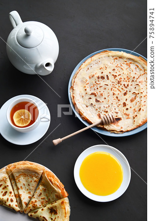 ?omposition of breakfast table 75894741