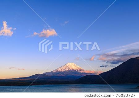 富士山 寒冬 冬天 76083727